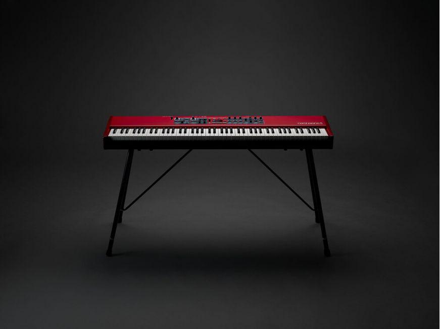 Nord Piano 5 - Cea mai recentă ediție a seriei premiate de pian digitale de scena.